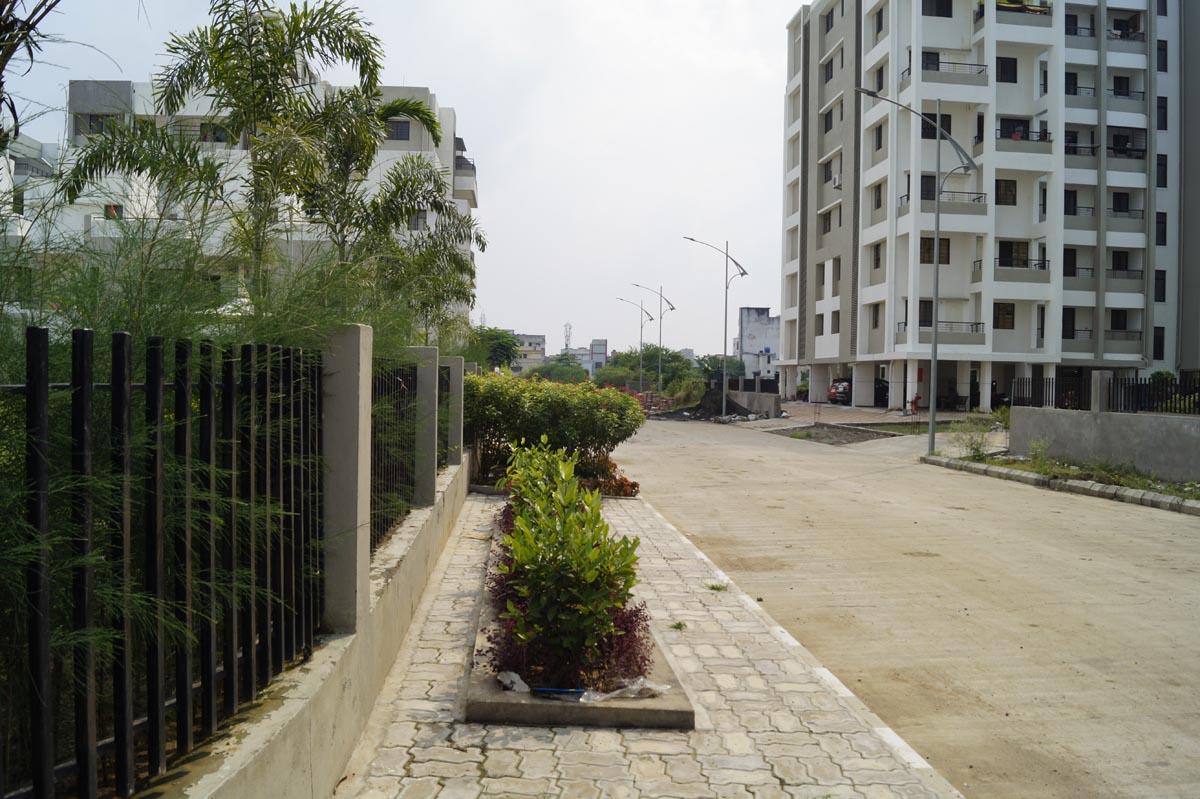 flat near koradi